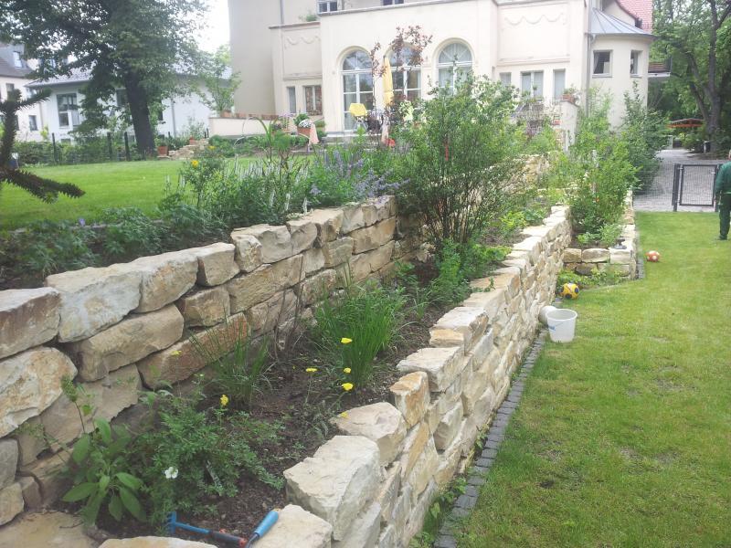Garten und landschaftsbau kinnemann natursteinarbeiten for Gartengestaltung natursteinmauer