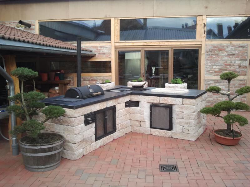 Garten- und Landschaftsbau Kinnemann: Outdoorküchen und Grill
